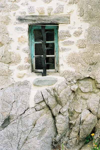 Walls and Windows 153