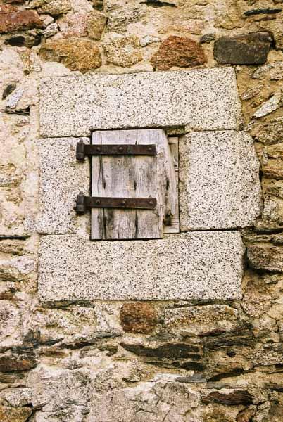 Walls and Windows 161