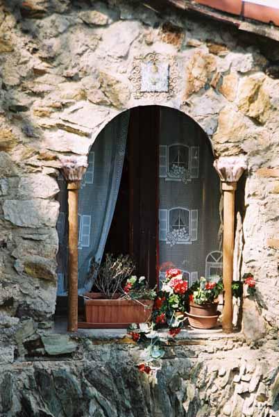 Walls and Windows 185