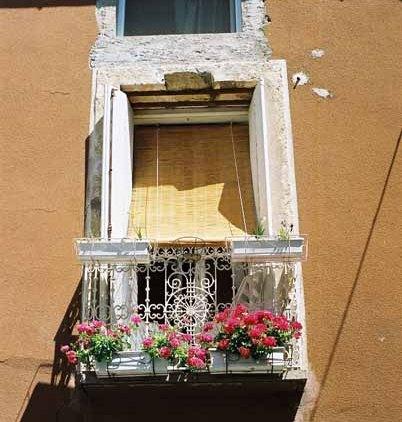 Walls and Windows 212