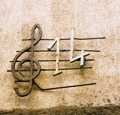 Music and Art 560